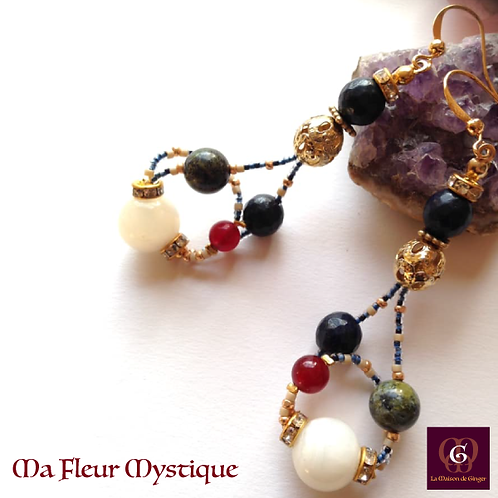 Ma Fleur Mystique. Earrings. White Scolecite, Granat, Dragon Blood & Sapphire