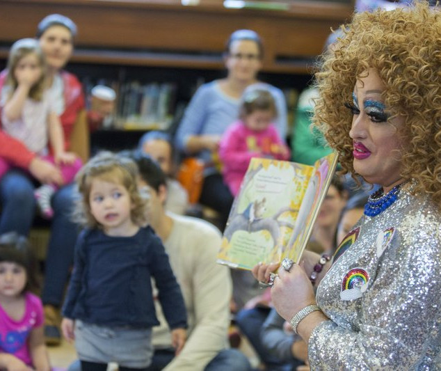 Library brings drag queens, kids together for story hour