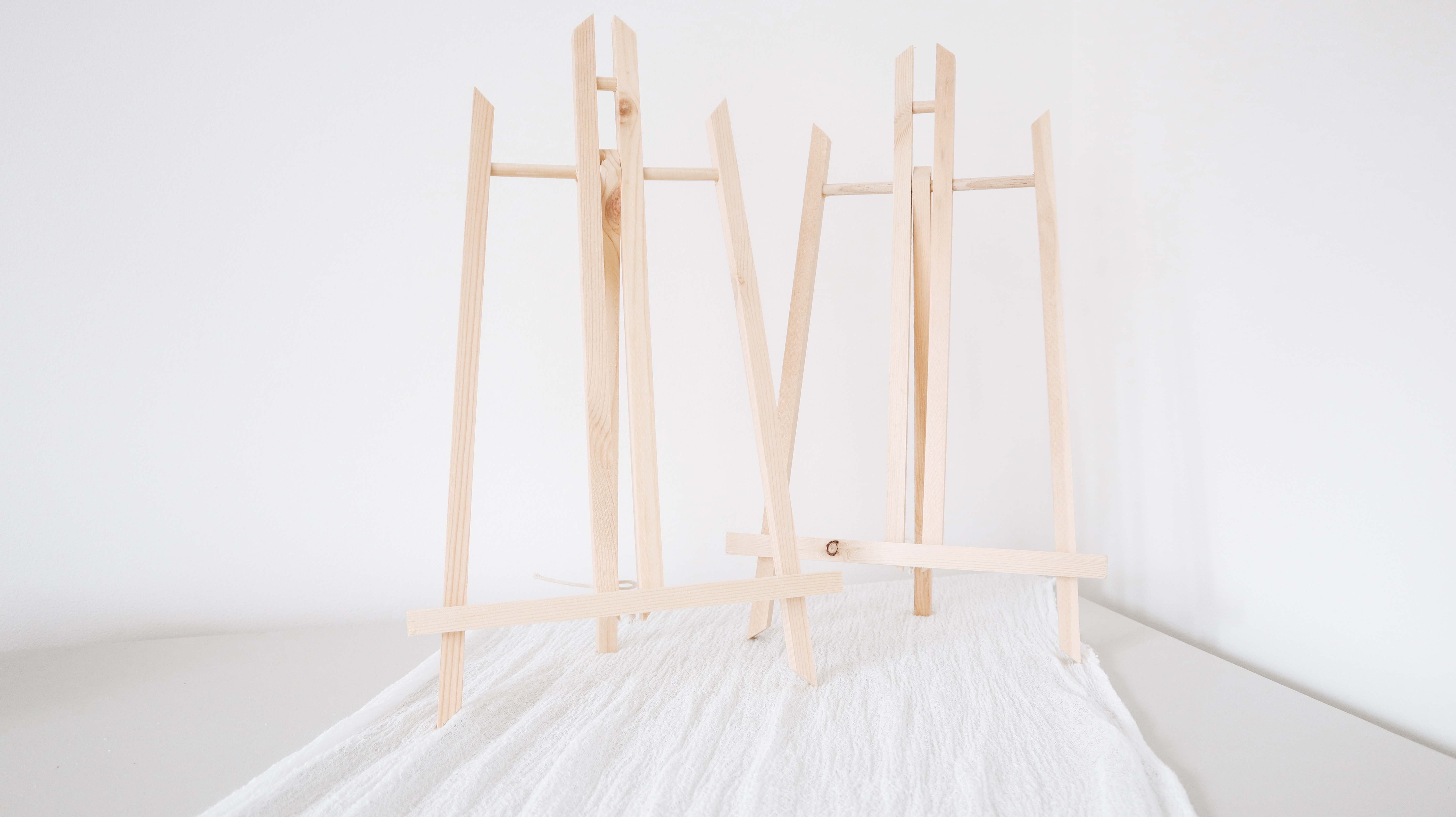 A4 Wooden Easel