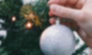 Weihnachtsbaum-Leuchten und Verzierung