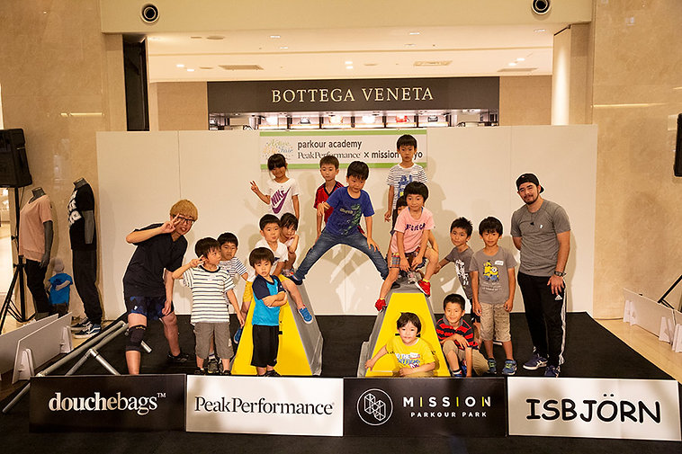 parkour academy PeakPerformance × mission tokyo in タカシマヤ