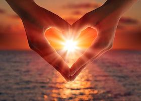 sunset-in-heart-hands