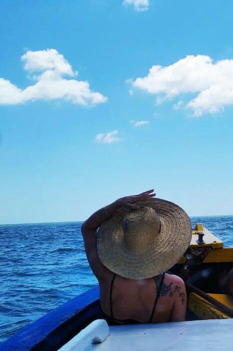 Barco no Leste da Ilha