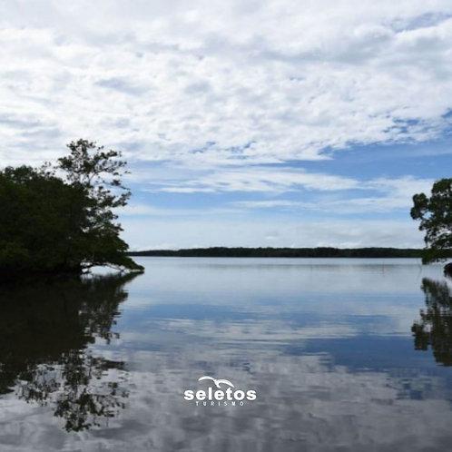 Passeio náutico e trilhas na Ilha de Itaputiua