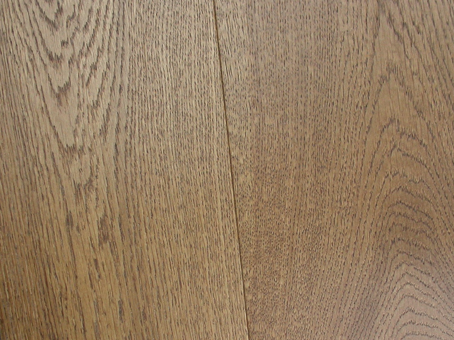 OAK RUSTIC LACQUERED