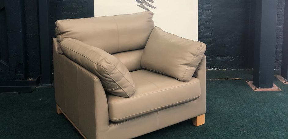 Ikon Armchair Leather