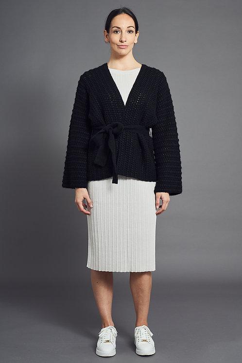 Handmade Knit Cardigan in Black - Sminfinity