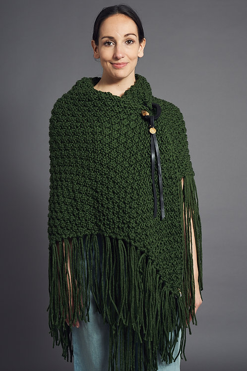 "Cape ""Scullly"" - Marjana von Berlepsch - Color Green"