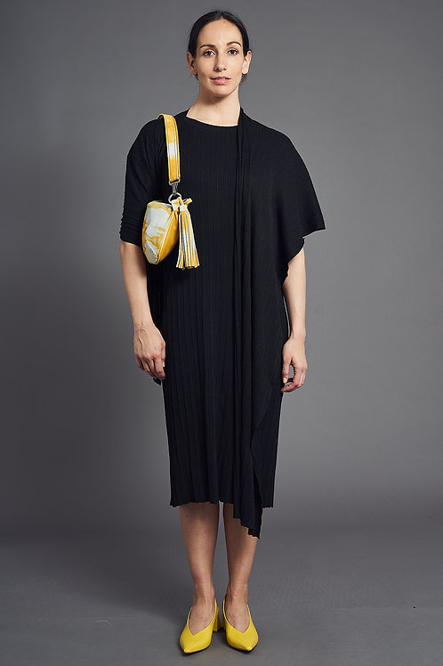 Pleat Short-Sleeved Knitted Dress - Sminfinity - Color Black