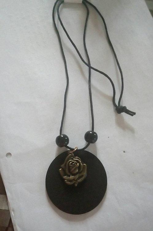 Handmade pendants from Sri Lanka