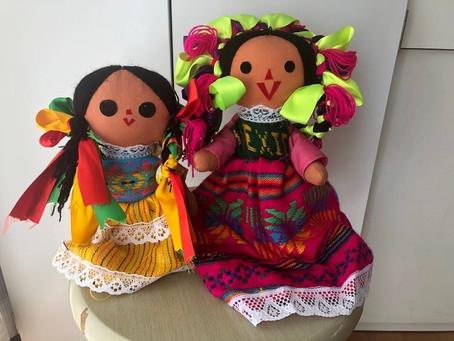 メキシコの伝統的な人形 ラ・マリアス