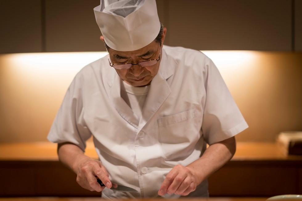 すっきりした椀物を 日本料理 花菱(唐津)