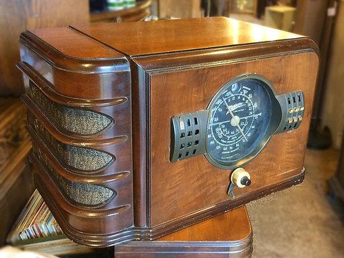 1939 Zenith Tube Wood Table Radio Model 7S323