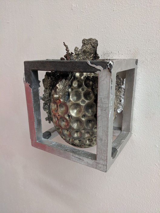 Trapped mixed metal