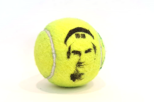 Roger Federer Tennisballselfie