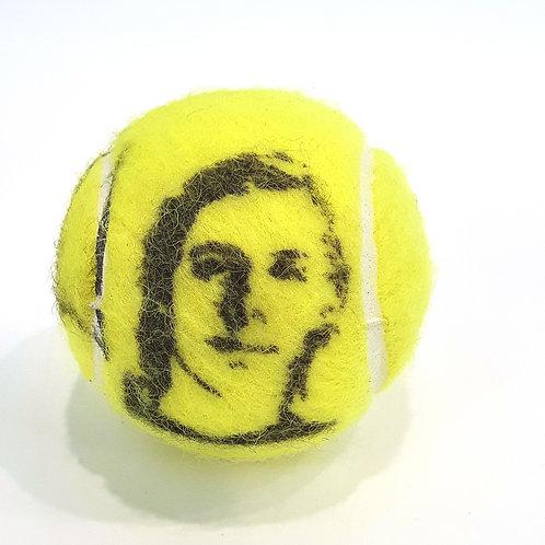 Denis Shapovalov Tennisballselfie