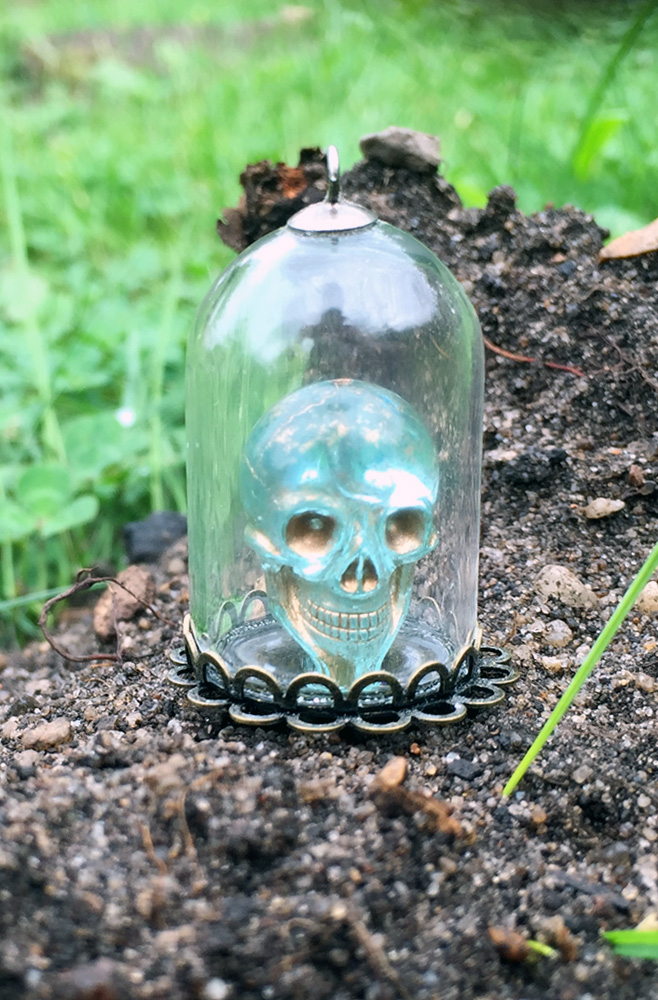 "Mini Altar ""Holistic SKULL"""