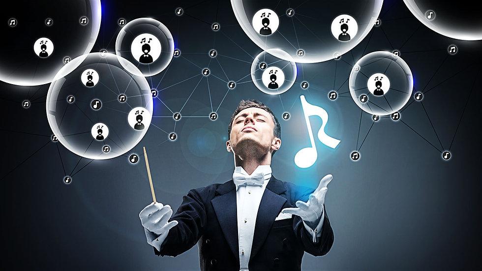 Conductor Bubbles-logo in hand-white wBl