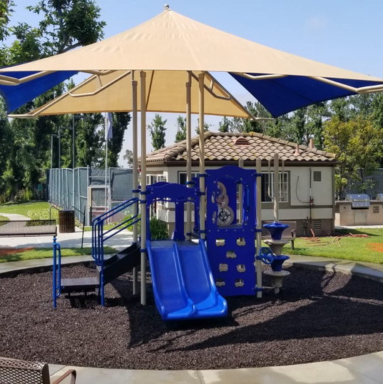 Play Unit with Integrated Shade