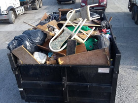 full trailer at the dump