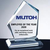 Mutoh-661UF-UV-printed-glass-award.jpg