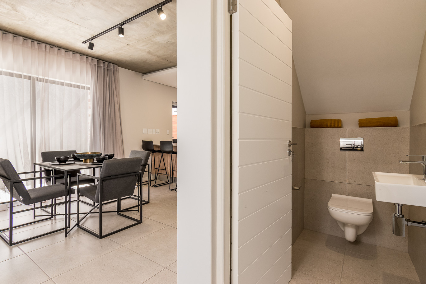 Greystone - Guest Toilet