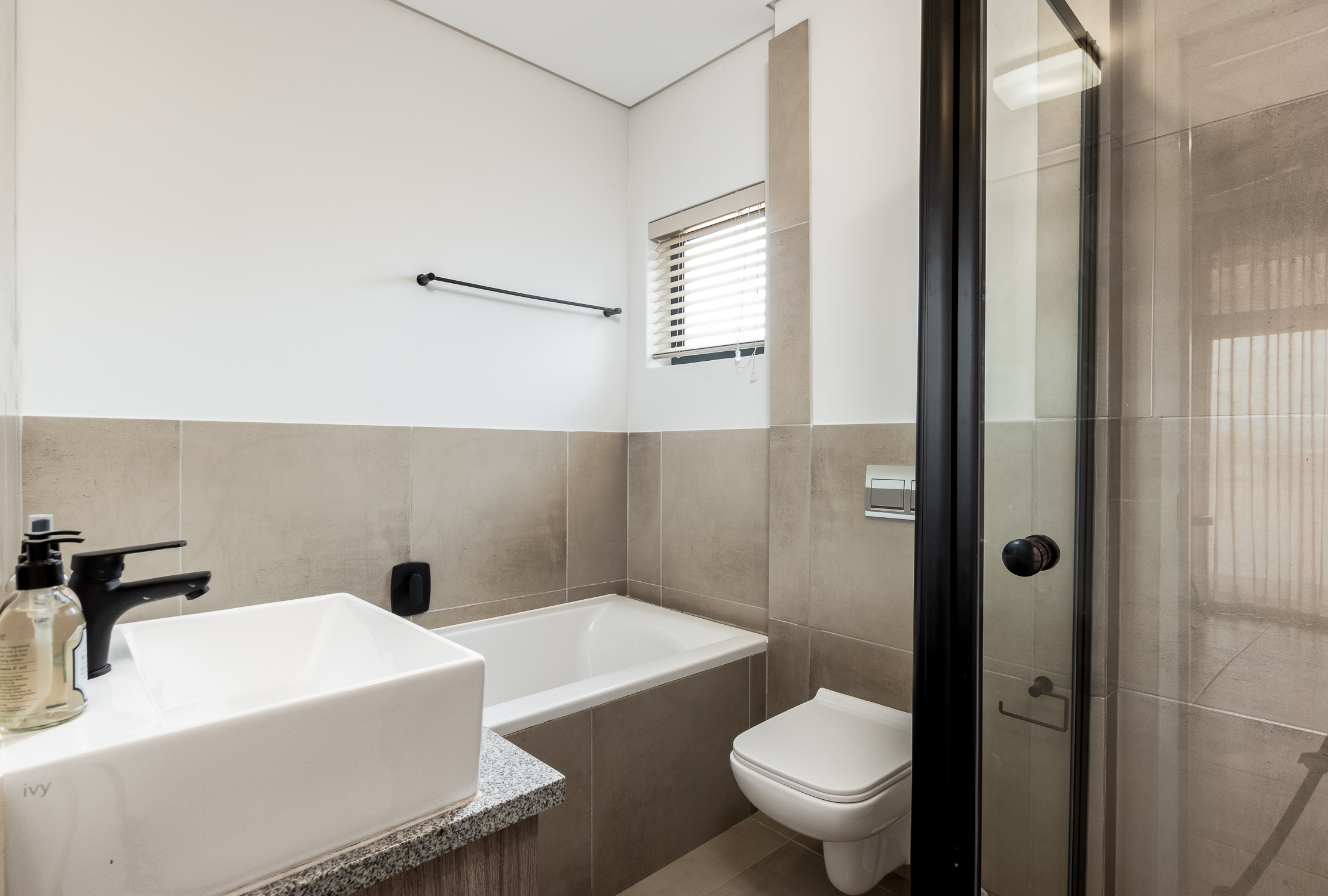 The Links Bathroom 2