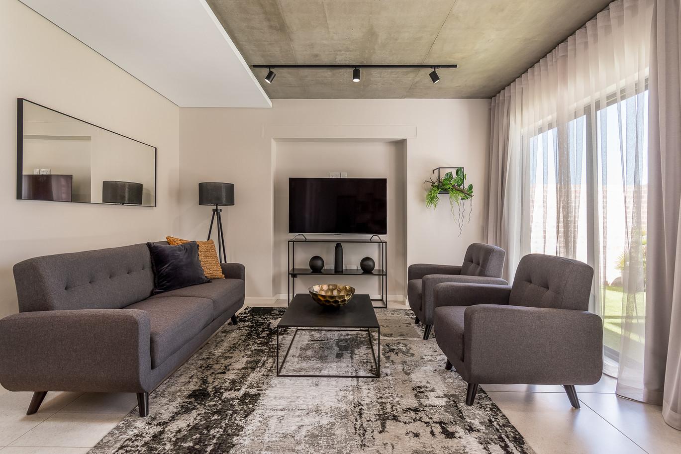 Greystone Lounge 1