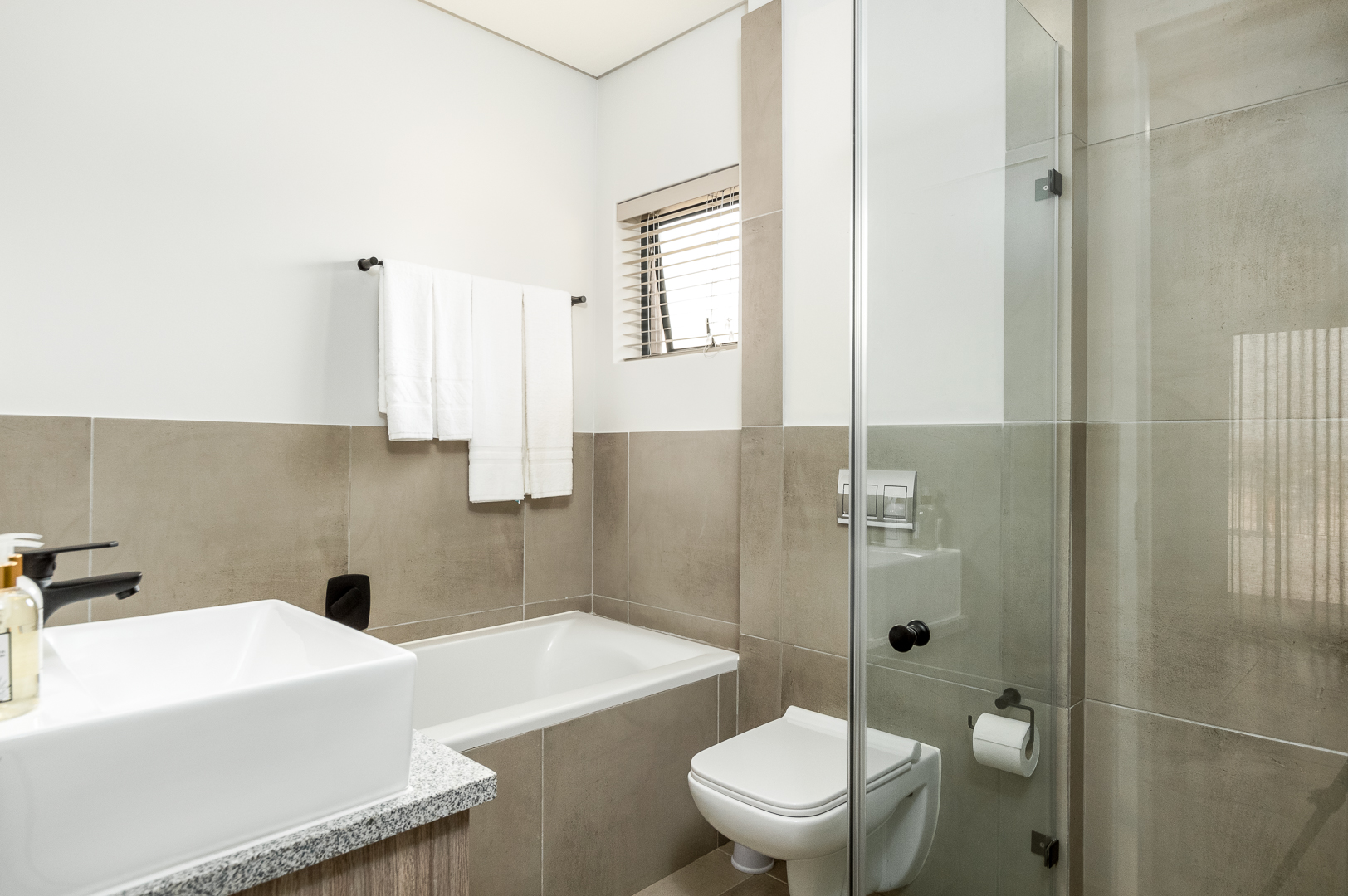 The Links Bathroom 3