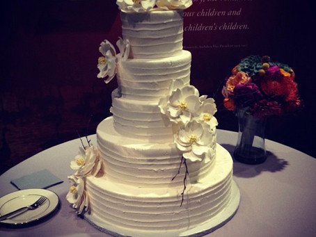 Why shouldn't I buy my wedding cake from a grocery store?