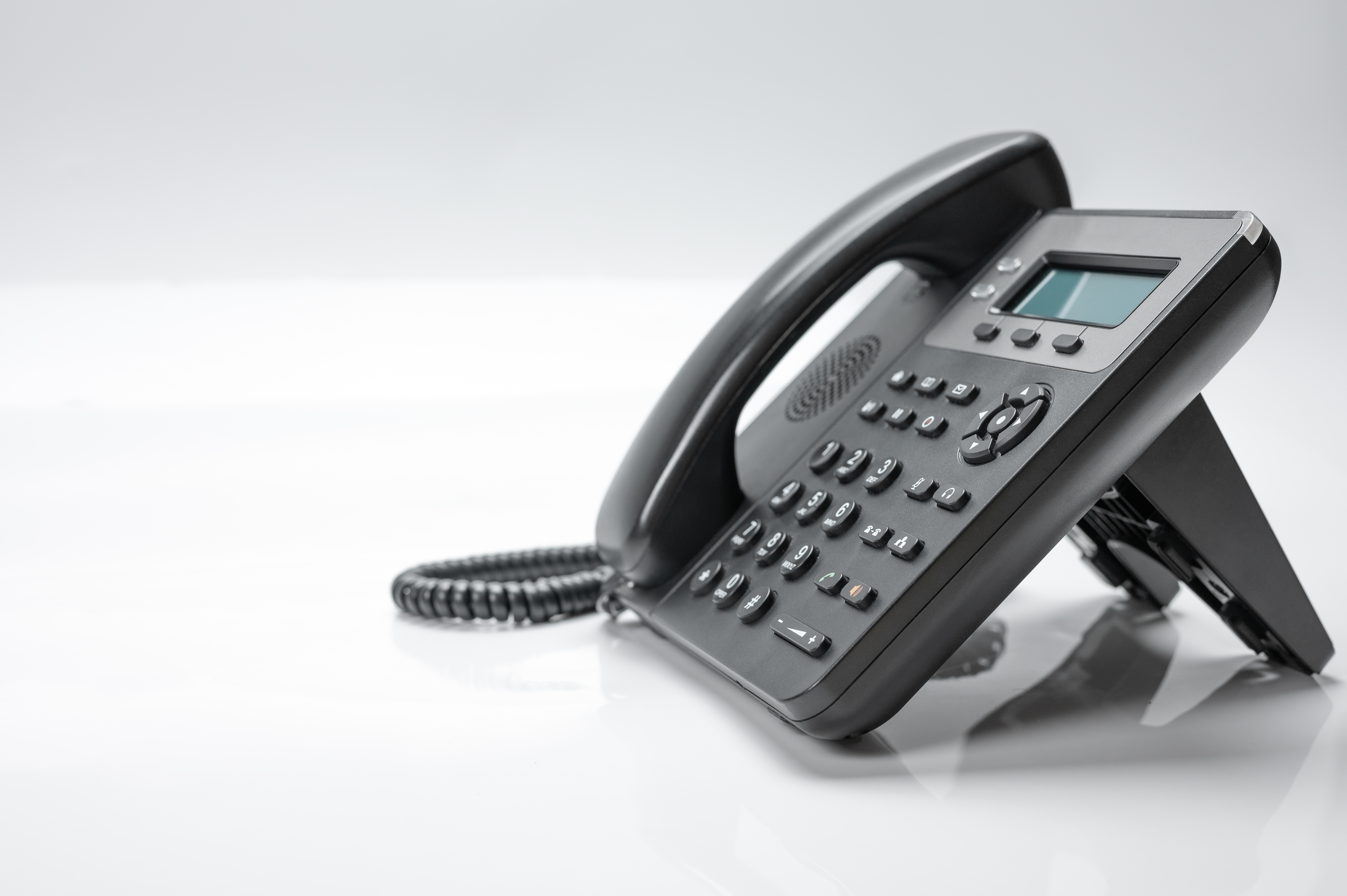 black-telephone-set-with-display-buttons