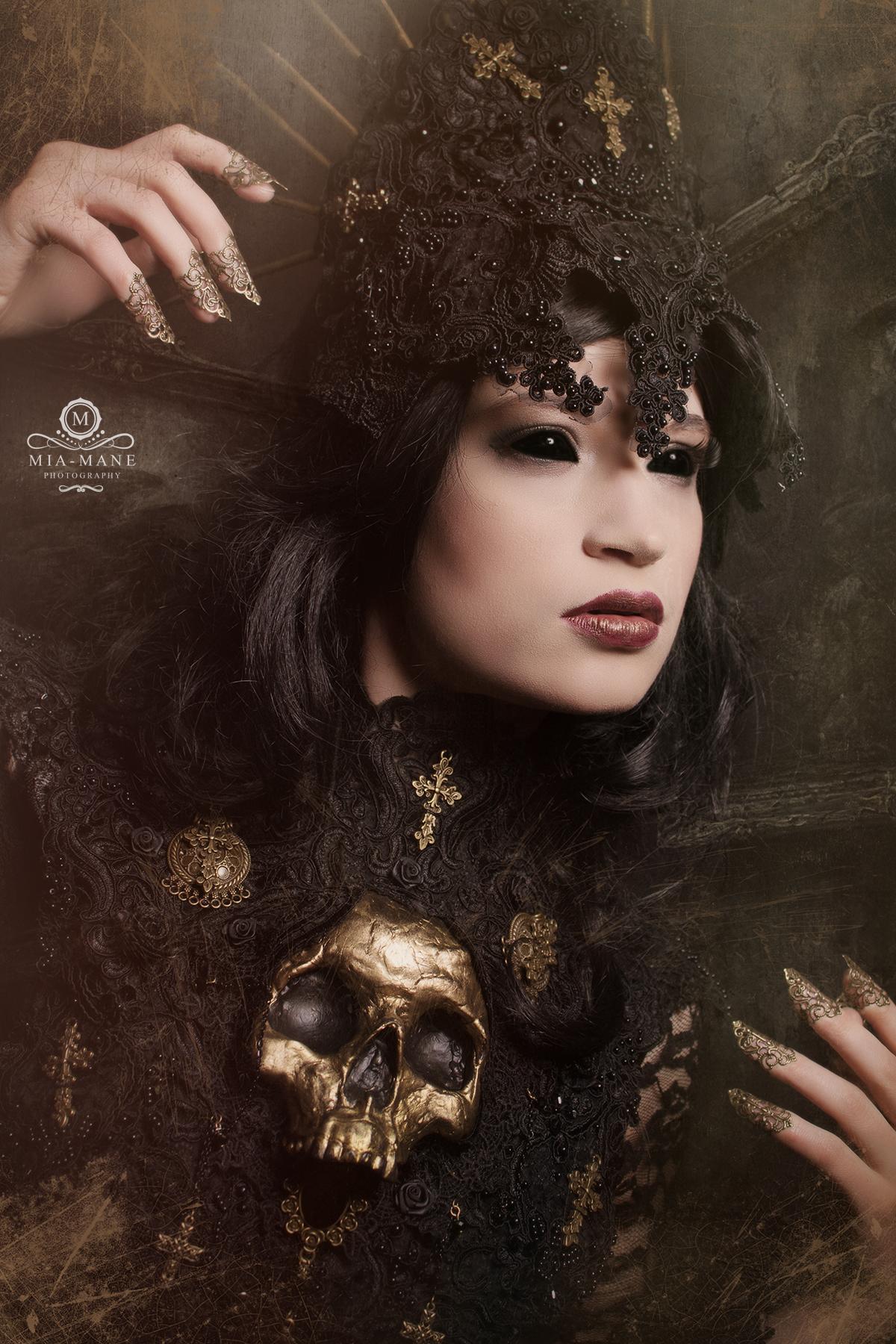 Gothic Fantasy Metal Claws
