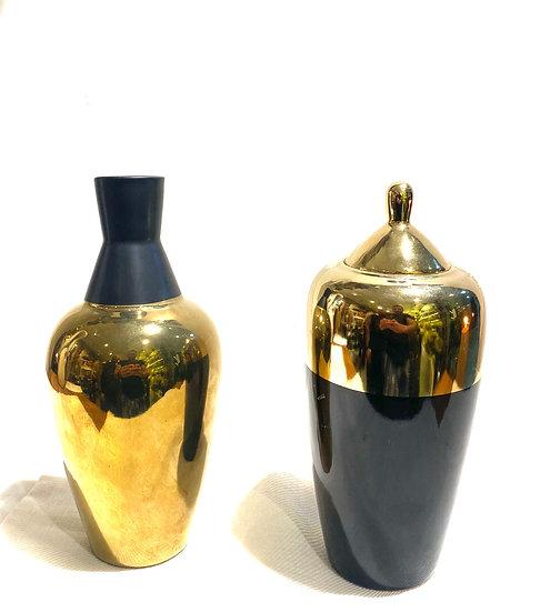 Garrafa e Vaso Dourado Com Preto