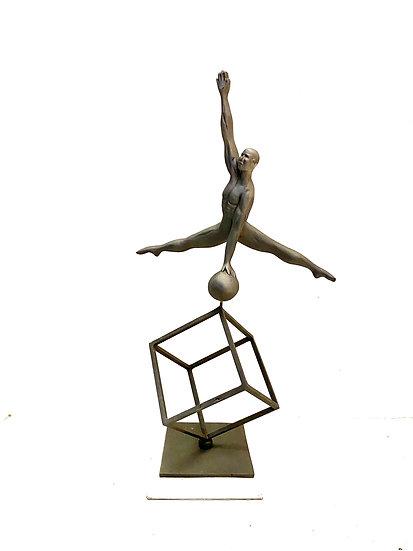 Escultura Homem no Cubo