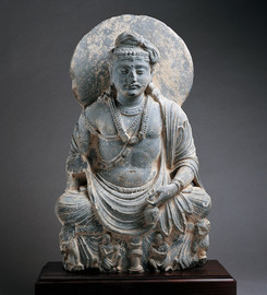 ガンダーラ-弥勒菩薩坐像.jpg