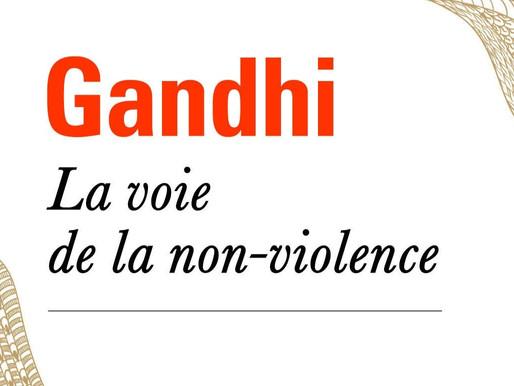 """""""La voie de la non-violence"""" et la place de l'idéalisme dans les relations internationales"""