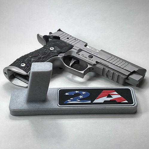 2A United States Flag Pistol Stand