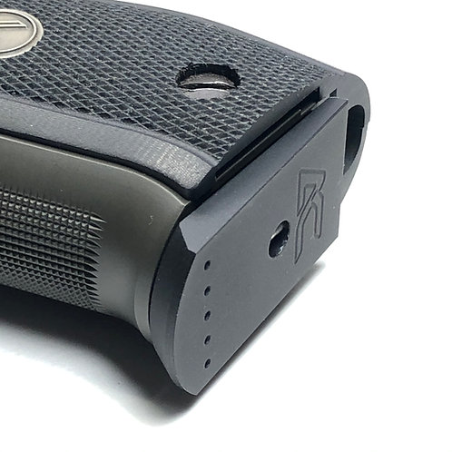 SIG Sauer P226 - Plus Zero - 15/17rd - Billet Aluminum Base Pad by Armory Craft
