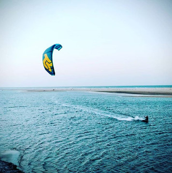 Kitesurfing on unspoiled spot
