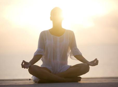 Votre Miracle Morning au Castelo!  Yoga & Stretching s'invitent tous les matins dès le mois