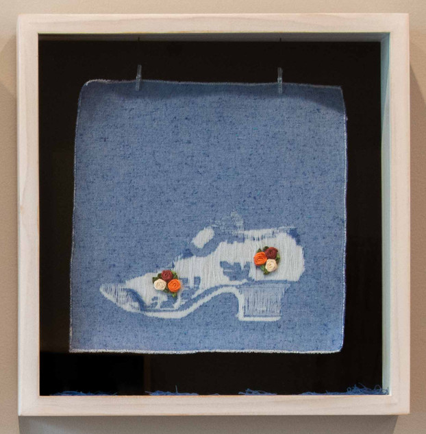 De la serie El Hilo De La Moda. Zapato. 1.500.