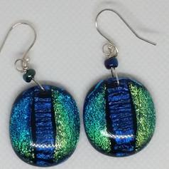 Oval earrings.