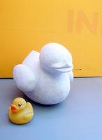 """פסל מעיסת נייר של ברווז אמבטיה (לפני צביעה) - ע""""י איילת רז בסטודיו של מיה לנדאו"""