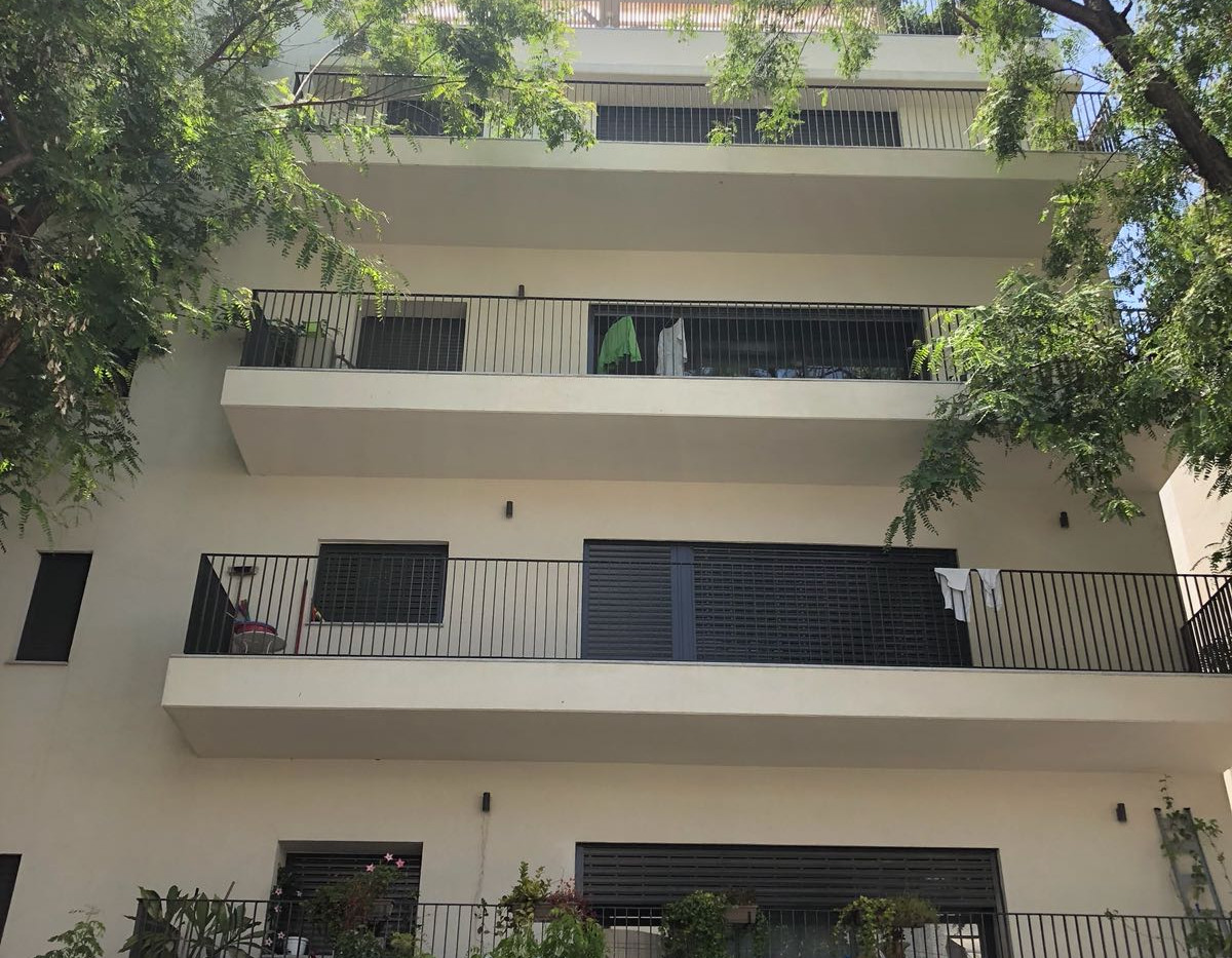 """דירה בצפון הישן- יהודה מכבי - דירה בתוספת מסגרת תמ""""א 38 בגימור גבוה מאוד"""