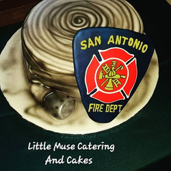 #firehosecake #fireman #groomscake #safd #customcakes #sanantoniobaker #sanantonioweddings #littlemu