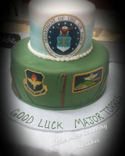 Good Luck Major! #airforce #retirement #cake #customcakes #sanantoniotexas #sanantoniobaker #littlem