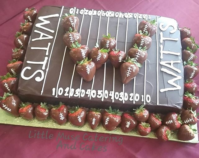 #chocolates #ganache #chocolatecoveredstrawberries #football #groomscake #customcakes #sanantoniowed