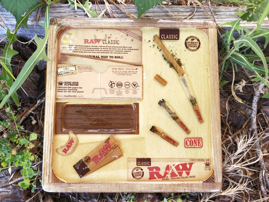 Custom Raw Papers Rolling Tray