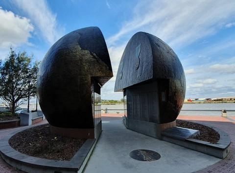 Monumento à Segunda Guerra Mundial em River Street
