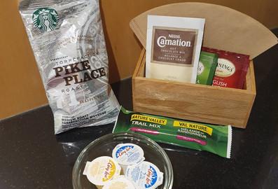 Café, chocolate em pó e chás de cortesia